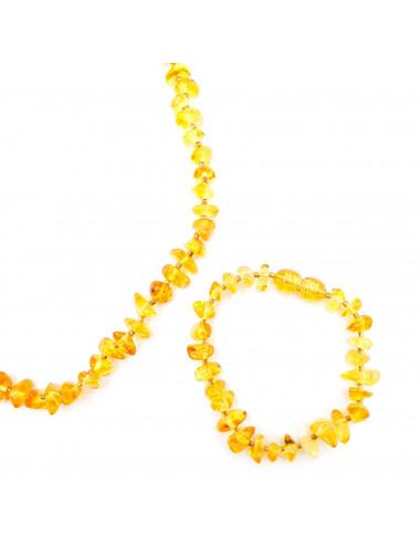 Кулон сердце. Подвеска в форме сердца. Кулон из янтаря - сердце.