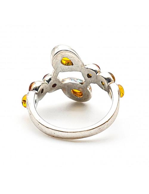 Кольцо с янтарем.Эксклюзивные украшения из янтаря. Натуральный балтийский янтарь. Кольца с янтарем